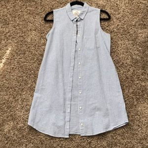 🍁MOVING SALE🍁 Blue & white full button up dress